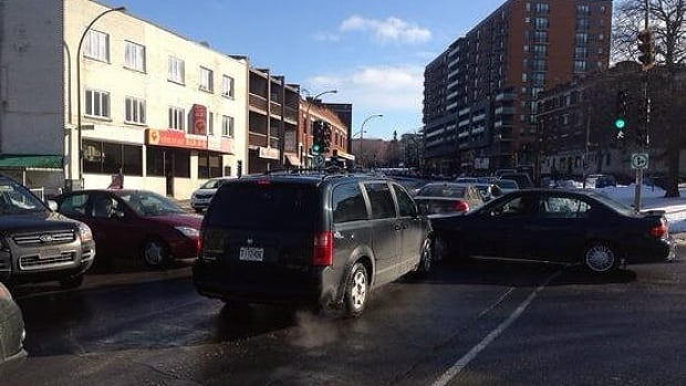 Monday morning traffic was a mess all along Décarie Boulevard in Côte-des-Neiges--Notre-Dame-de-Grâce.