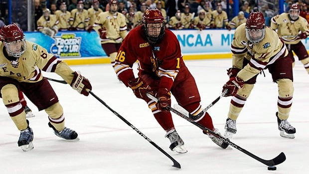 Garrett Thompson, centre, had a team-high 16 goals and added 16 assists in 42 games this season with the NCAA's Ferris State Bulldogs.