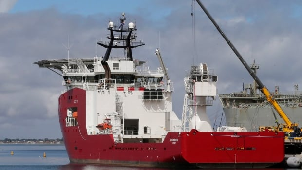 Australian Defense ship Ocean Shield is carrying a towed pinger locator to aid in the search for missing Malaysia Airlines Flight MH370. The underwater hunt for the jet's black boxes will begin Friday.