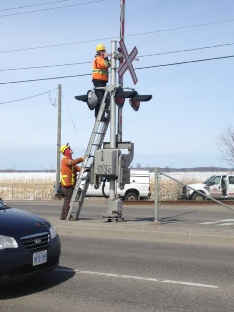 Malfunctioning crossing signals in Barrhaven to be watched