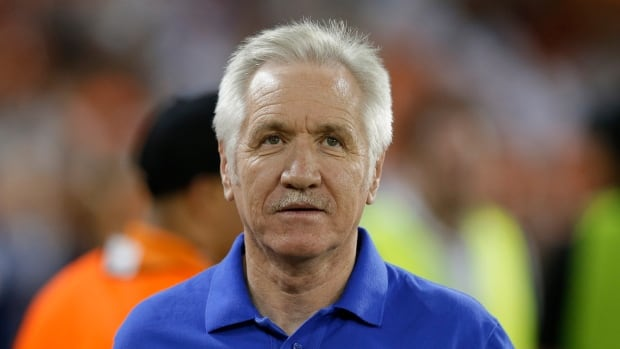 Tom Sermanni, seen during a September 2013 match, also coached Australia's women's team.