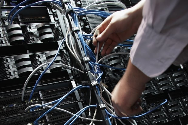 Computer server Heartbleed
