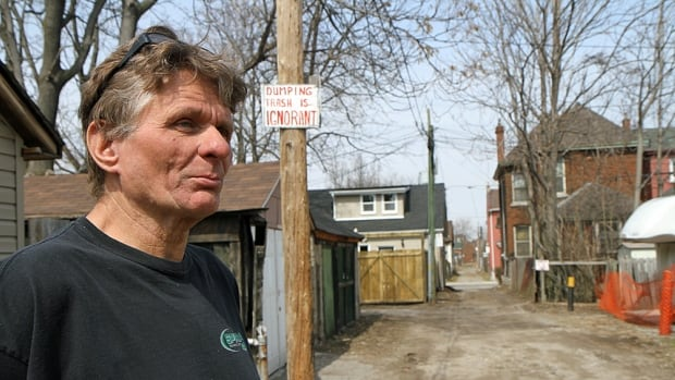 "Chuck Eelhart says keeping the alleyway behind his Beasley neighbourhood house tidy has become a ""hobby"" of his."