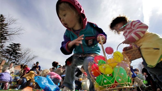 There are a few places around the Lower Mainland where the young and the young at heart can enjoy a good egg hunt this Easter Sunday.