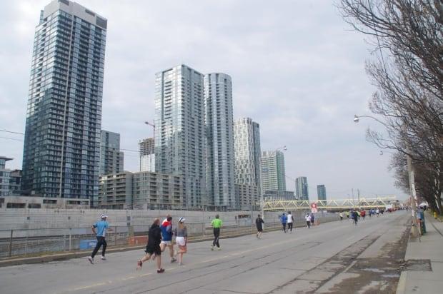 Toronto Yonge Street 10K on April 13, 2014