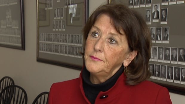Education and Early Childhood Development Minister Karen Casey has asked the Chignecto-Central Regional School Board to change its plan and delay the closure of three schools until at least 2016.