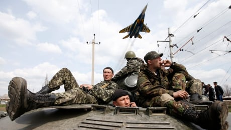 Canadian arms makers get OK to sell to Ukraine thumbnail