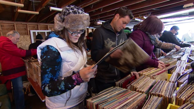 Hundreds of vinyl lovers flocked to a garage in east Edmonton where more than 10,000 albums were on sale.
