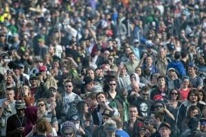Thousands rally on Parliament Hill for pot legalization
