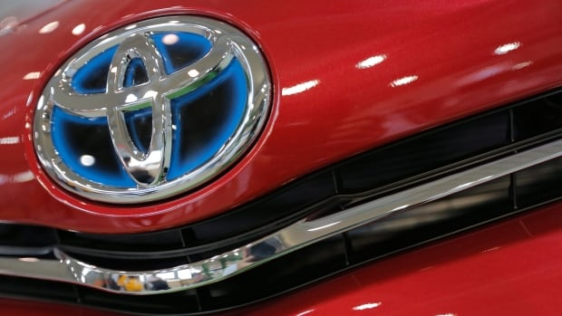 Toyota Motor Corp. has been the world's biggest automaker for the past two years and retains its title in the first quarter of 2014.