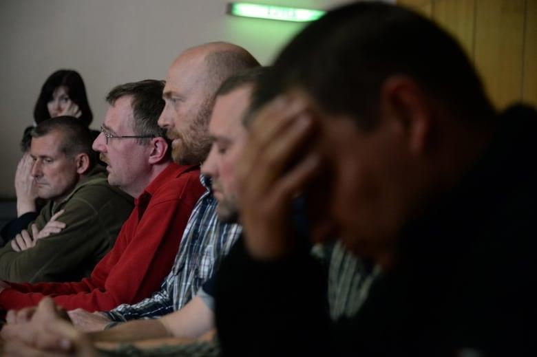Ukraine crisis: pro-Russian separatists free 1 observer