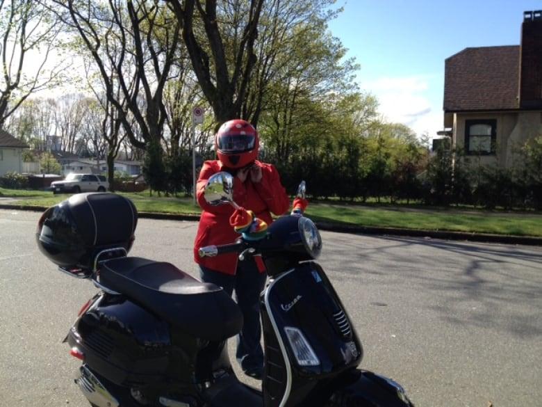 Safety advocates seek mandatory scooter road tests | CBC News