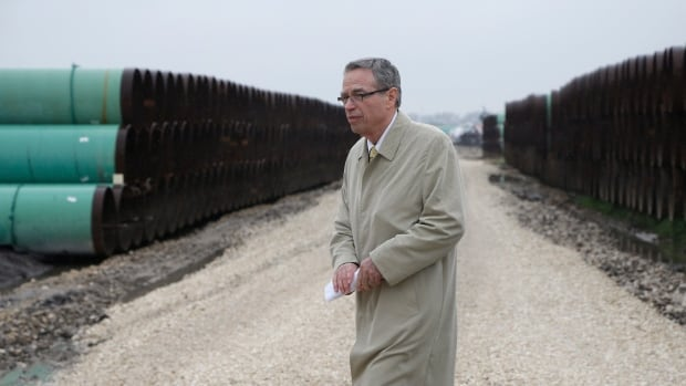 Polling done for industry and two federal departments, including Natural Resources under then minister Joe Oliver, suggest half of Canadians favour the use of pipelines to transport oil. But confidence in Ottawa's ability to protect the environment or clean up spills is much lower.
