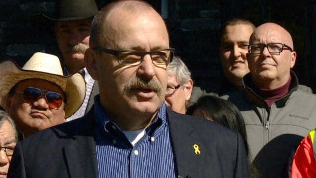 Former transportation and infrastructure minister Ric McIver announced Wednesday morning that he is joining the PC leadership race to replace Alison Redford.