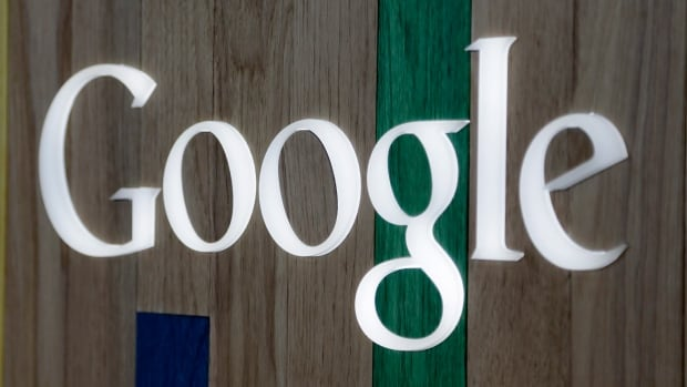 Google Inc. and some 99 more of the world's top technology companies wrote a letter to U.S. telecom regulators opposing new proposed 'net neutrality' rules.