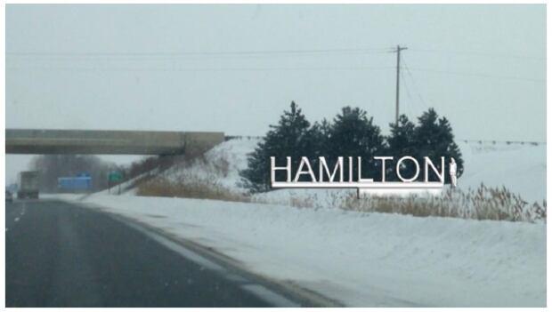 Hamilton welcome sign