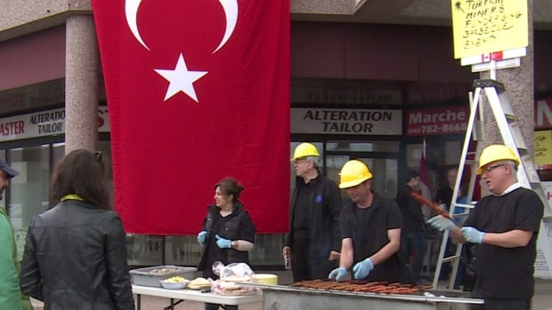 Toronto's Turkish community held a fundraiser on Saturday for the hundreds of families who lost loved ones when an explosion killed 301 coal miners in the town of Soma, Turkey, last week.