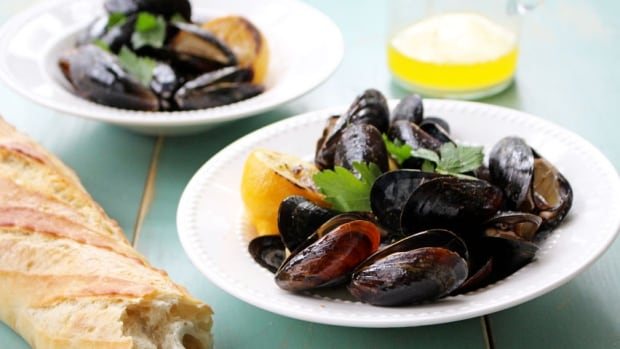 Grilled mussels