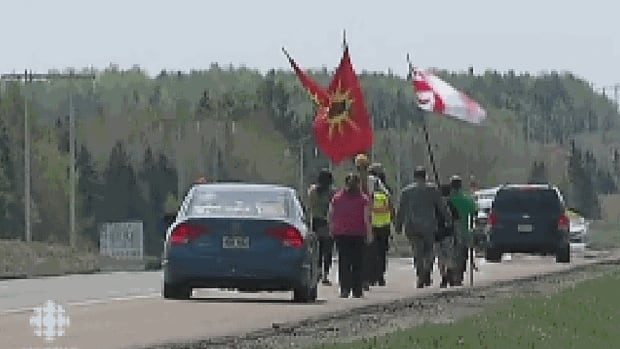 Shale gas protesters march from Elsipogtog to SWN offices in Moncton