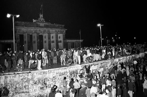 essay on the destruction of the berlin wall