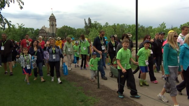 Some of the roughly 2,000 people who walked at Assiniboine Park on Sunday morning as part of the Telus Walk to Cure Diabetes.