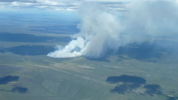 Pilot vehicles are available, if necessary, to guide traffic through the smoky conditions from kilometre 280 to kilometre 286 of the Dempster Highway.
