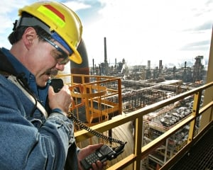 syncrude oilsands worker