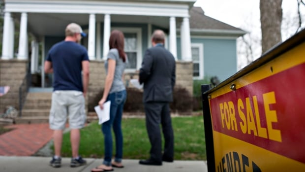 According to real estate website TheRedPin.com, this Friday, May 1 is the best day to sell a home at the best price of the year.