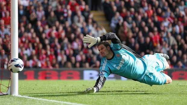 Asmir Begovic, who grew up in Edmonton, but now plays for Bosnia-Herzegovina, wants to make an impact at the Brazil World Cup.