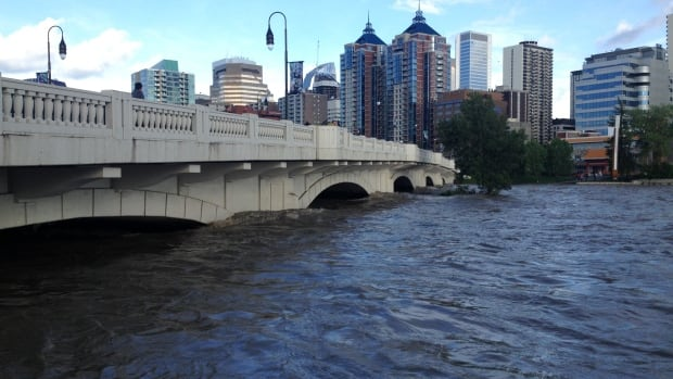 The Conference Board of Canada says Calgary did a good job in responding to 2013's devastating flood, which hit the inner city and many other areas, as well as multiple cities and towns across southern Alberta.