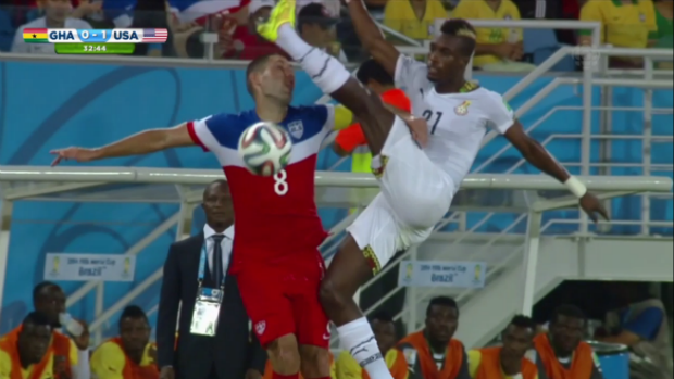 Clint Dempsey, Foot in Face
