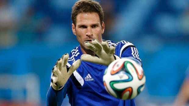 Bosnian goalkeeper Asmir Begovic grew up in Edmonton and played for Canada at the U-20 tournament in 2007. Begovic is trying to help Bosnia-Herzegovina advance to the Round of 16 in its first ever World Cup.