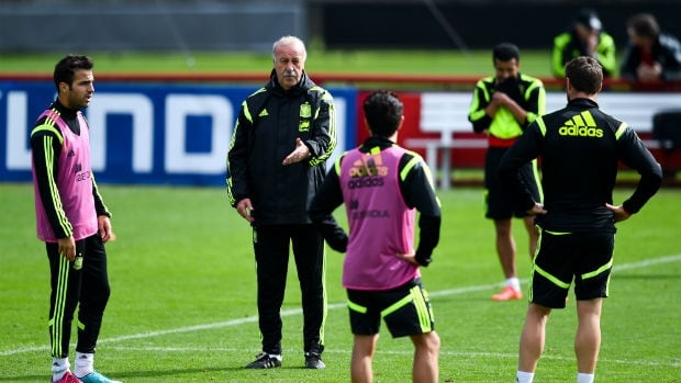 "Spain coach Vicente Del Bosque said in an interview with Spanish broadcaster Cuatro that, ""I always think about the collective and the players only think about themselves."""