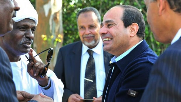 Former military chief Abdel-Fattah el-Sissi speaks to members of the Nubian community in Cairo. He is riding a wave of popularity in Egypt, which makes his repressive regime difficult to rein in, but economic pressure could have an effect.