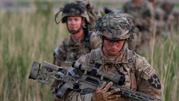 The Obama administration has pledged to send 300 military advisers to help defuse the current crisis in Iraq.