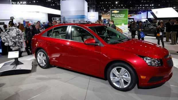 More than 33,000 2013-2014 Chevrolet Cruze vehicles are being recalled for potential airbag safety issues.