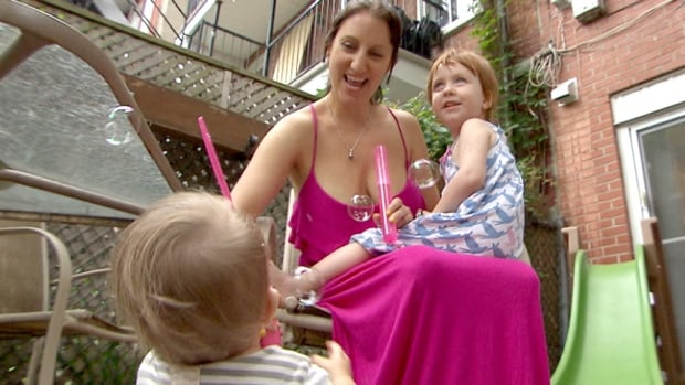 Melodie Nelson said she was told to stop breastfeeding by a lifeguard at a Montreal pool and refused.