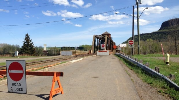 CN Rail's James Street swing bridge connecting Fort William First Nation with Thunder Bay has been closed to vehicular traffic since October 2013.