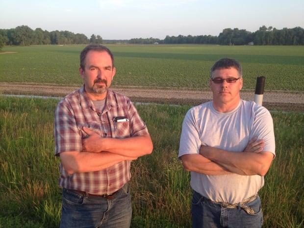 Hoop and Holler Bend farmers