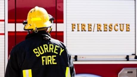 Firefighterfacingfiretruck_rdax_495x278