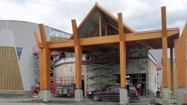 Edmundston entertainment centre