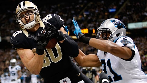 Jimmy Graham, left, is reportedly getting a four-year, $40-million US deal that includes $21 million guaranteed.