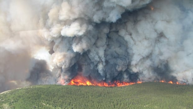 Mount McAllister wildfire burning in the Klin-Se-Za protected area