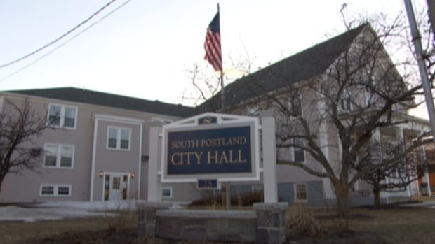 South Portland, Maine councillors have voted prohibit crude oil from being loaded onto marine tank vessels within the city and its port.