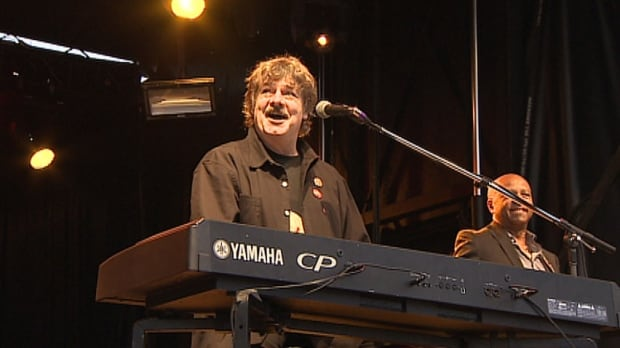 Burton Cummings