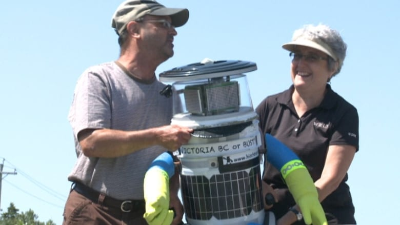 HitchBOT, the hitchhiking robot, bums 1st ride