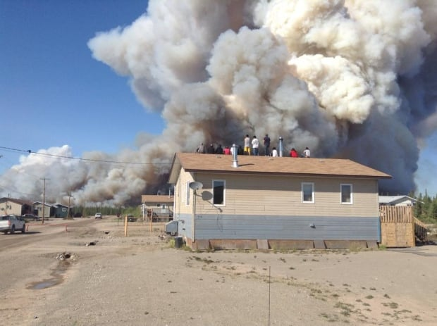 Whati residents watch smoke from wildfires
