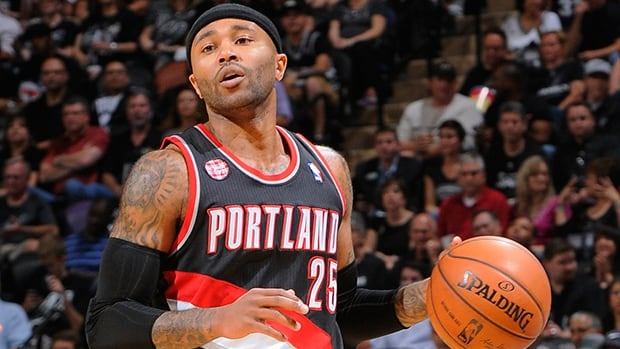 Mo Williams (25) averaged 9.7 points, 4.3 assists, 2.1 rebounds and 24.8 minutes in 74 appearances off the bench last season.