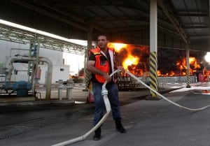 MIDEAST-GAZA-power-plant fire