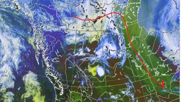 High level winds (jet streams in red) blew over Manitoba from the Northwest Territories Wednesday, bringing with them smoke from forest fires currently burning in the north.